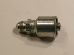 1/2 in to 1/2 in male JIC hydraulic hose end